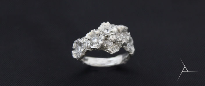 Zásnubní prsten KVĚTY